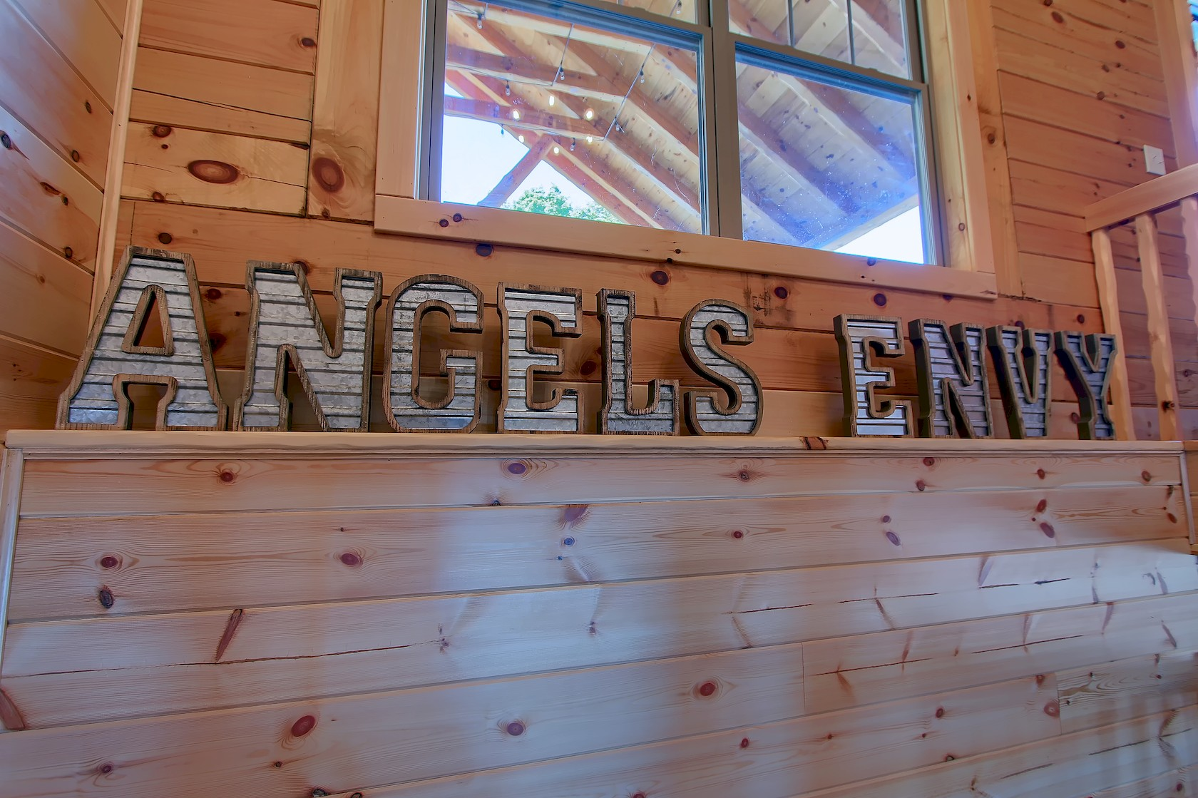 Angels Envy Luxury Lodge at Hocking Hills Luxury Lodging